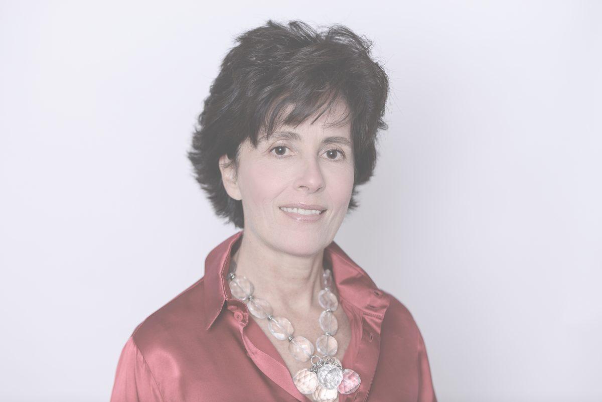 Olinda Maria Moreira Alves de Oliveira Mallet, Lawyer